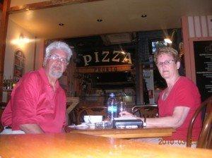 BIENVENUE dans ESPAGNE 2010 Copie-de-En-mangeant-des-churros-300x224