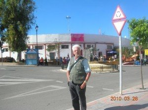 Copie-de-Fuengirola-Devant-la-Plaza-de-toros1-300x224