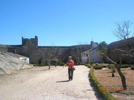 Copie-de-Vers-le-chateau dans PORTUGAL 2010